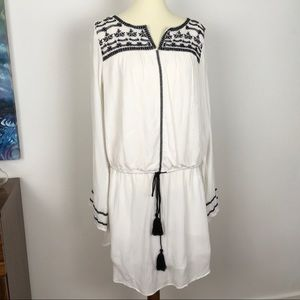 NWT GAP dress | black embroidery | XL